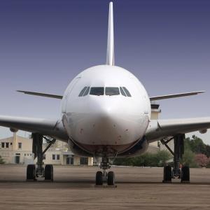 Diventare pilota di linea la professione tra le nuvole diventare - Come diventare perito immobiliare ...
